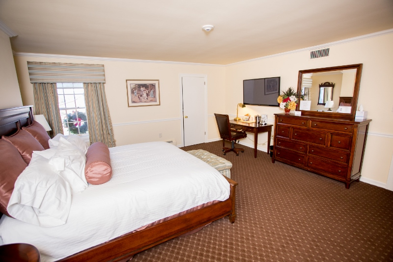 Plumsteadville Inn Single Guest Room
